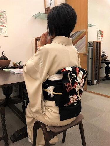 着物のコーディネート 新春の装い 染小紋 飛びの小紋 染帯 刺繍 梅柄 おめでたい装い 熊本市中央区 着物専門店 わのくに