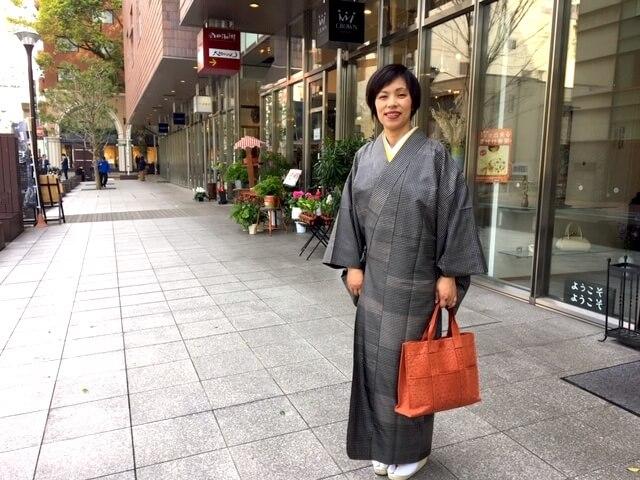 着物姿 雨コート 水屋着 チリよけ 大島紬 オリジナルデザイン 熊本市中央区 着物専門店 わのくに